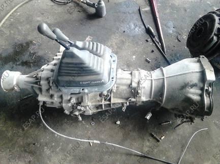 Бензиновый двигатель подкапотное пространство VW Passat