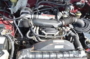 TOYOTA HILUX 4 год,UNNER двигатель 2.4 TD 2LTE